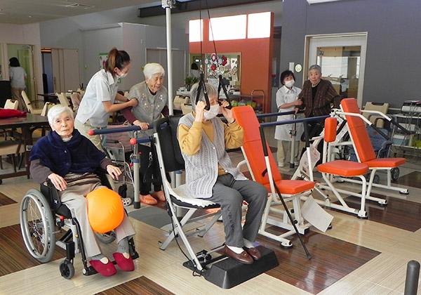 高齢者向けトレーニングマシン